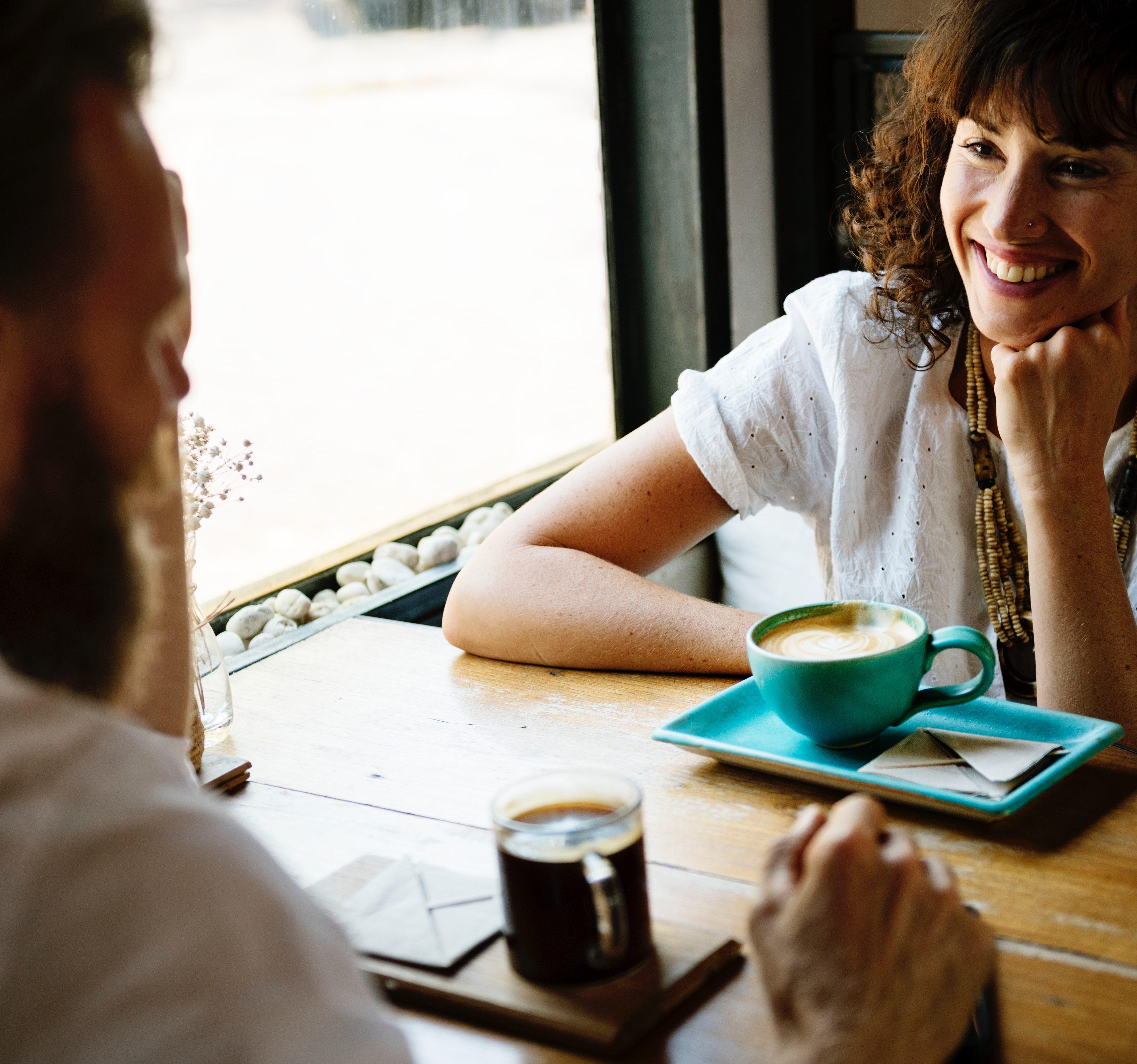 Tự học giao tiếp tiếng Thụy Điển CĂN BẢN HẰNG NGÀY, GIAO TIẾP NGÀNH NAIL, nhà hàng,...
